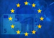 Обновленная купюра 5 евро вышла в обращение
